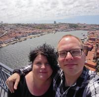 Gerda en Chris in Porto bove de Douro rivier
